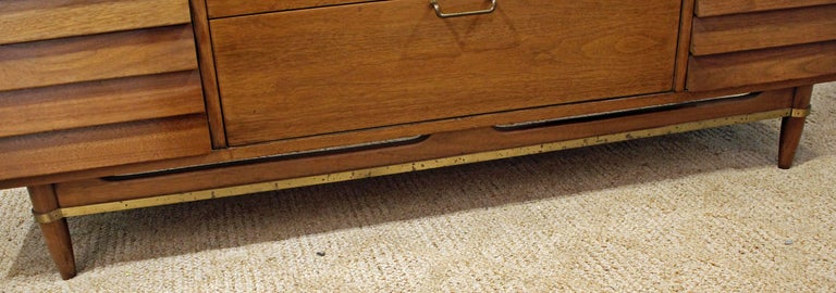 Mid-Century Modern Merton Gershun for American of Martinsville Walnut Credenza For Sale 5