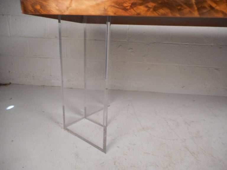 Mid-Century Modern Metal and Lucite Dining Table For Sale 1