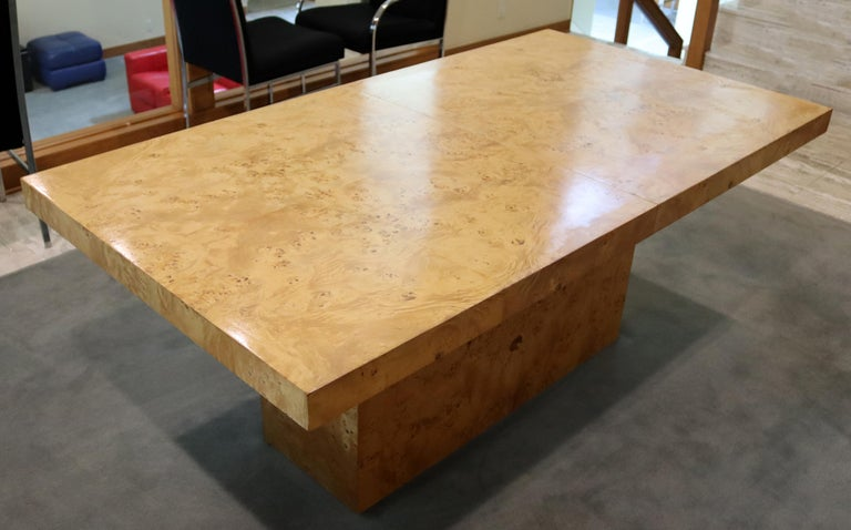 Mid-Century Modern Milo Baughman Burl Wood Expandable Dining Table 2 Leaves 80s In Good Condition For Sale In Keego Harbor, MI