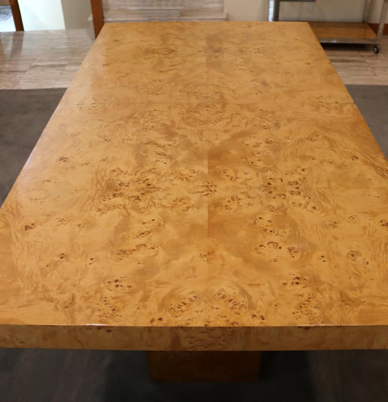 Mid-Century Modern Milo Baughman Burl Wood Expandable Dining Table 2 Leaves 80s For Sale 1