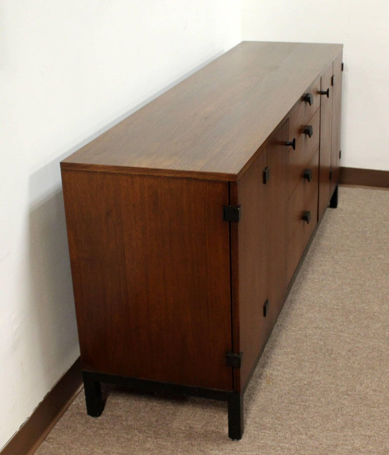 Mid-20th Century Mid-Century Modern Milo Baughman for Dillingham Walnut Credenza and Hutch, 1960s For Sale