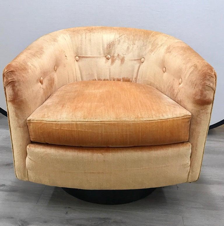 Mid-Century Modern Milo Baughman Peach Velvet Swivel Barrel Back Chairs For Sale 2
