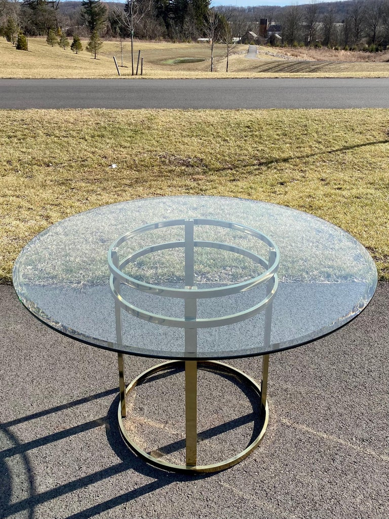 Mid-Century Modern Milo Baughman Style Brass Glass Round Dining Table In Good Condition For Sale In Lambertville, NJ