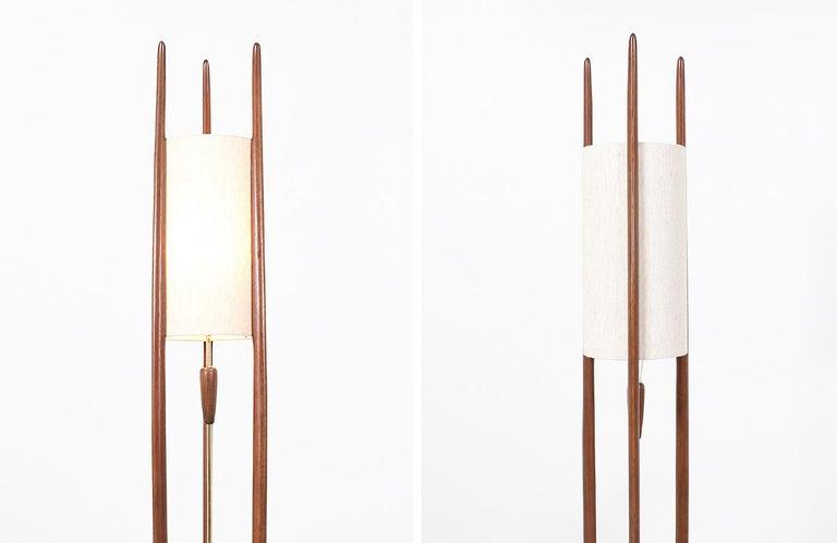 Mid-20th Century Mid-Century Modern Modeline Tall Floor lamp For Sale