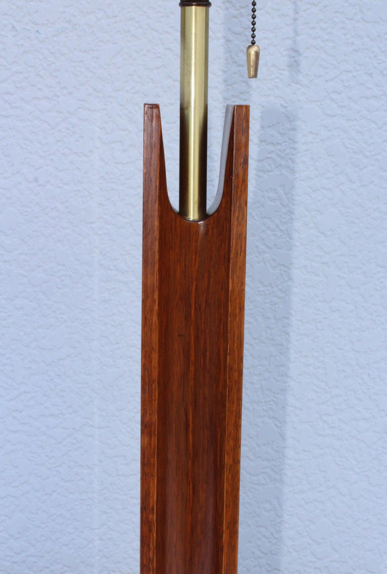 Mid-Century Modern Modeline Walnut Table Lamps For Sale 7