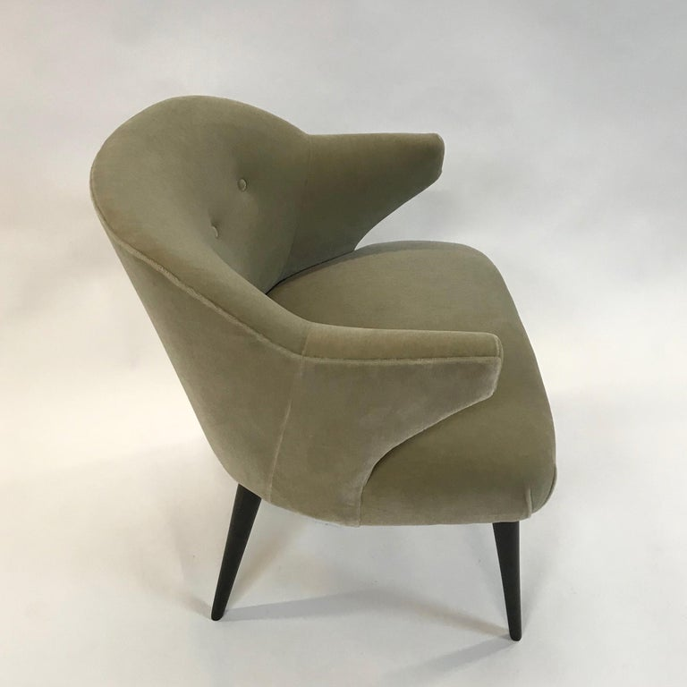 Mid-Century Modern Mohair Wing Armchair For Sale 1