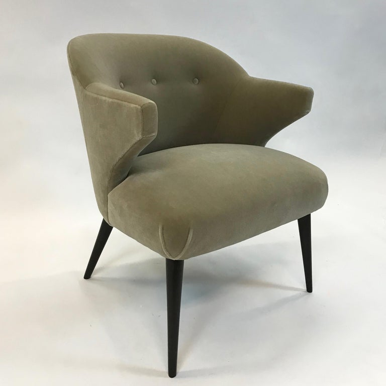 Mid-Century Modern Mohair Wing Armchair For Sale 3