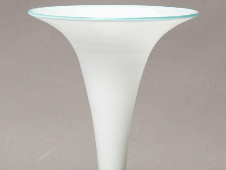 20th Century Mid-Century Modern Murano Art Glass Trumpet Vase For Sale