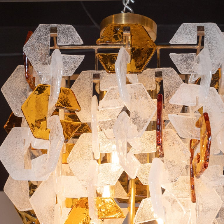 Mid-Century Modern Murano Interlocking Amber and White Glass Chandelier, Mazzega In Excellent Condition For Sale In New York, NY