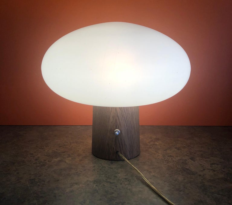 Mid-Century Modern Mushroom Table Lamp on Solid Teak Base by Laurel Lamp Co. In Good Condition In San Diego, CA