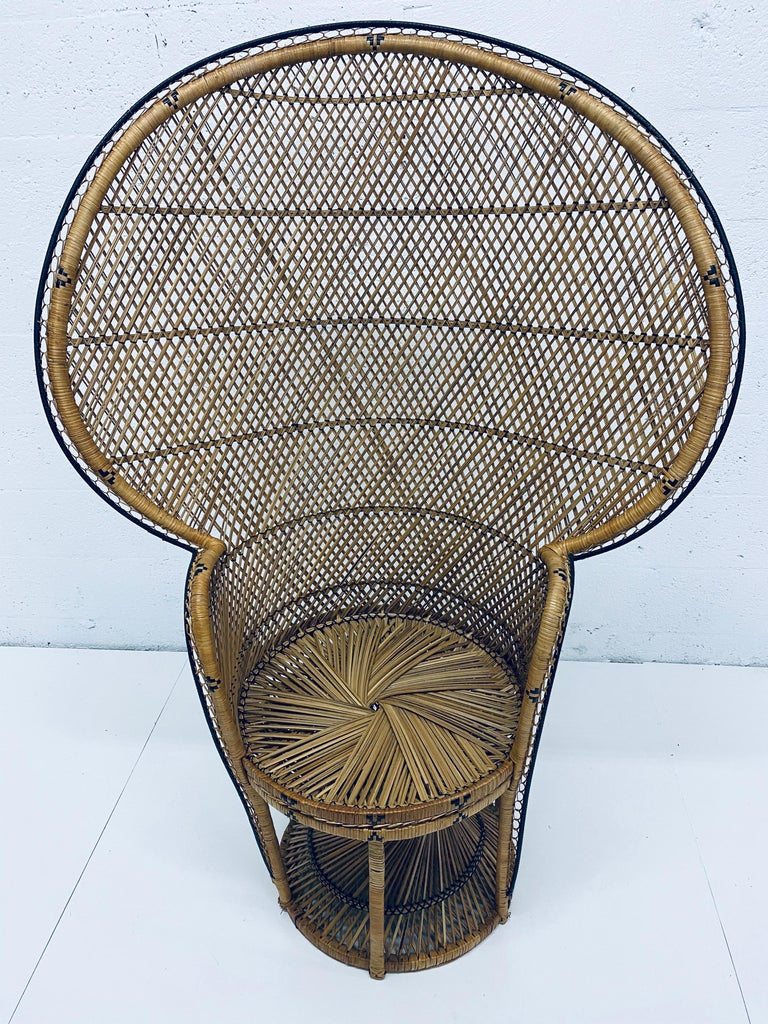 Mid-Century Modern Natural Rattan Emmanuel Style Peacock Chair, 1970s In Good Condition For Sale In Miami, FL