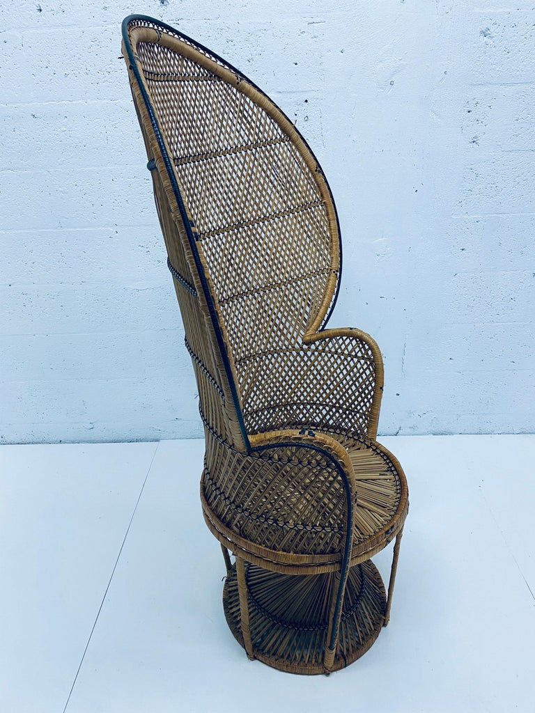 Late 20th Century Mid-Century Modern Natural Rattan Emmanuel Style Peacock Chair, 1970s For Sale