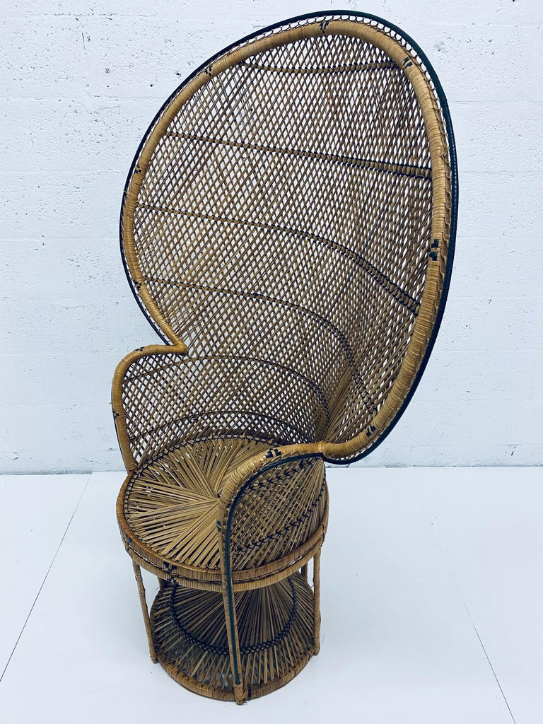 Mid-Century Modern Natural Rattan Emmanuel Style Peacock Chair, 1970s For Sale 3