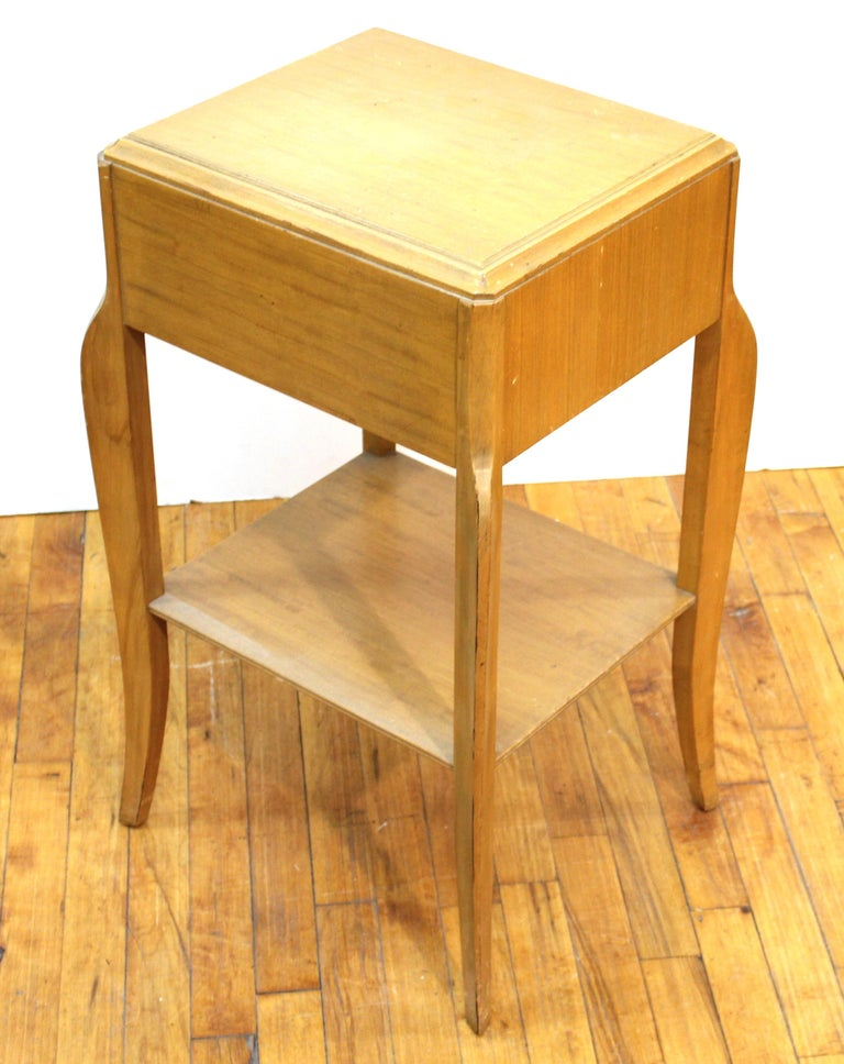 Mid-Century Modern Nightstand Table For Sale 5