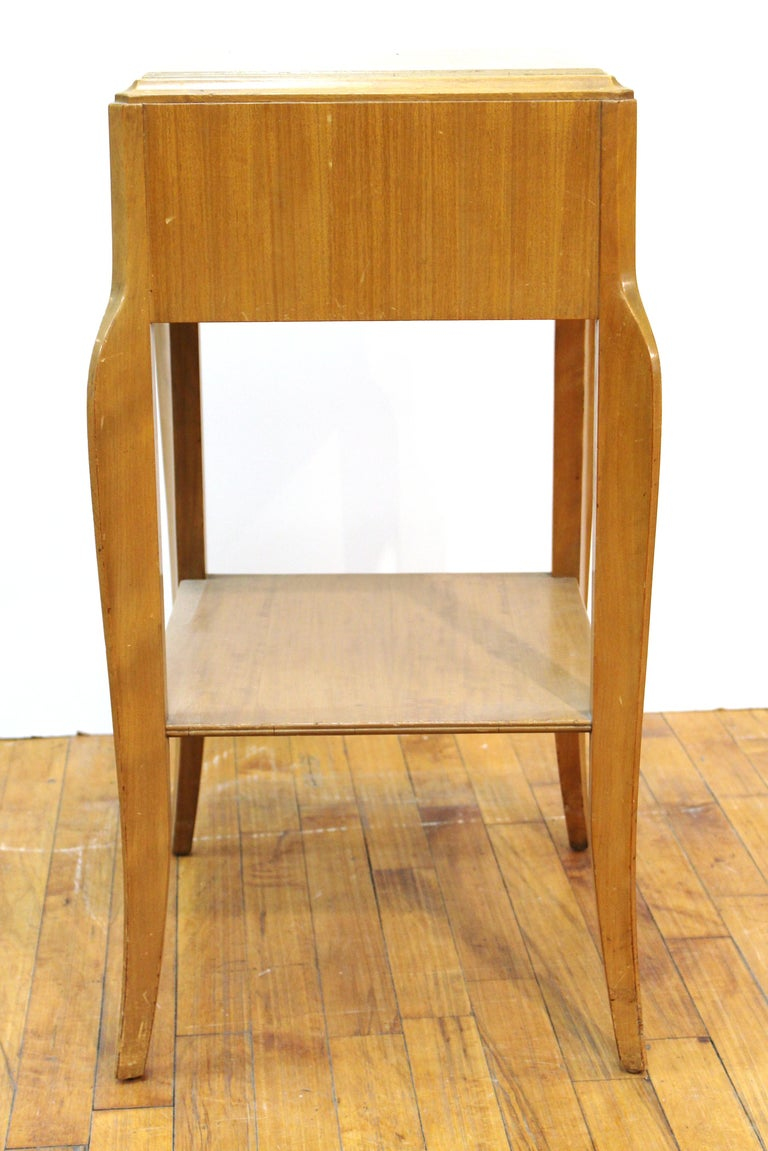 Mid-Century Modern Nightstand Table For Sale 3