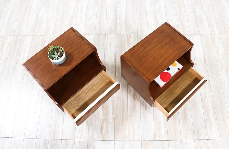 Mid-Century Modern Nightstands by American of Martinsville For Sale 2