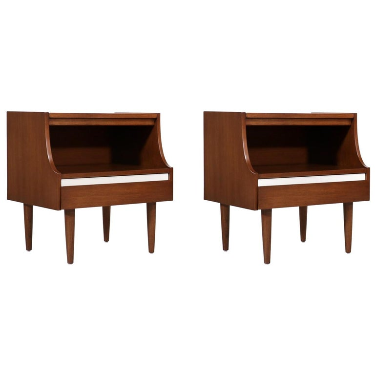 Mid-Century Modern Nightstands by American of Martinsville For Sale