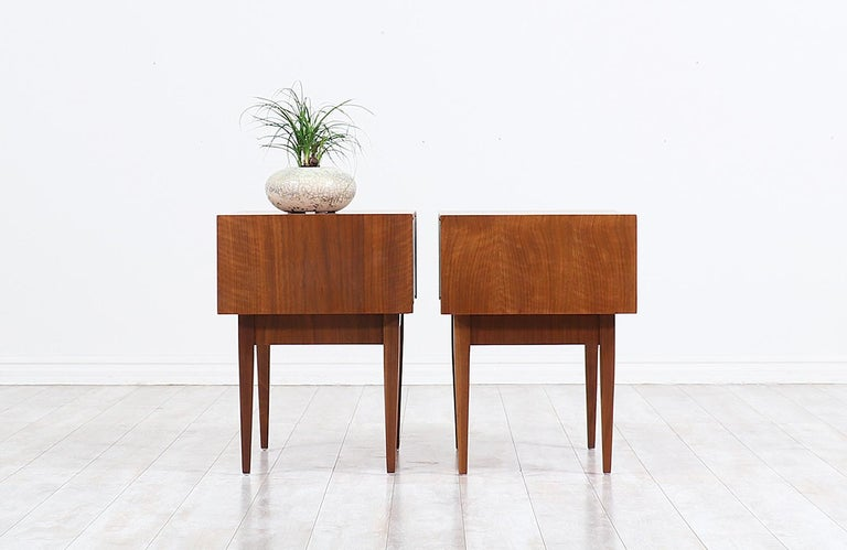 Mid-20th Century Mid-Century Modern Nightstands with Lacquered Bowtie Style Drawers For Sale