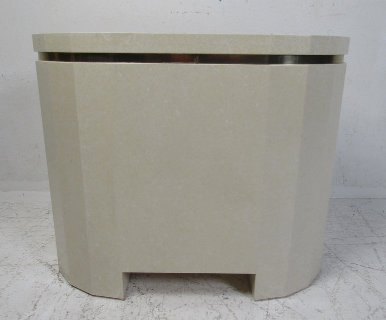 Late 20th Century Mid-Century Modern Nightstand For Sale