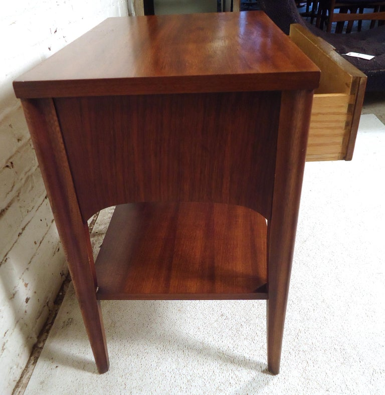 Mid-Century Modern Nightstand For Sale 3