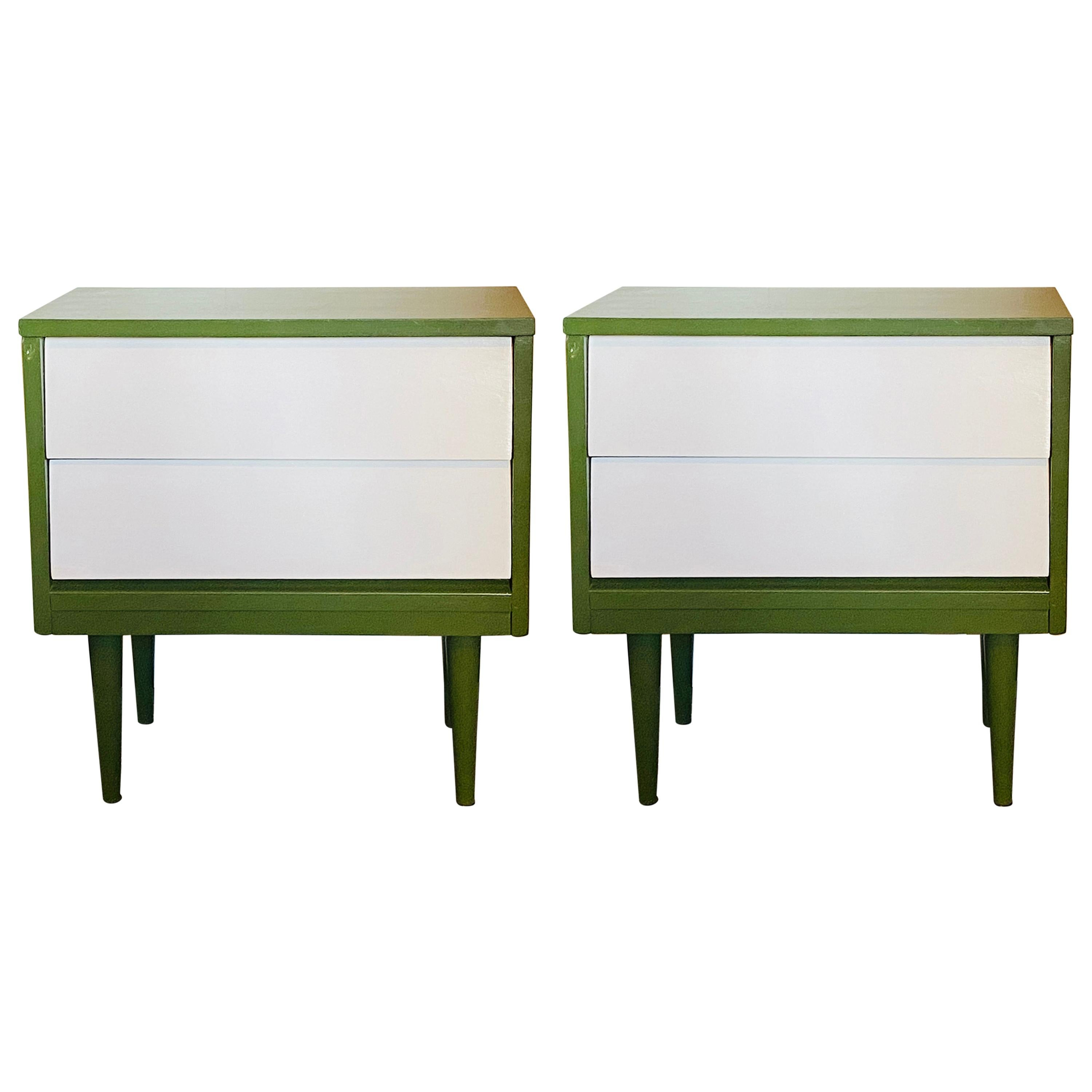 Mid-Century Modern Nightstand or Lamp Table, a Pair