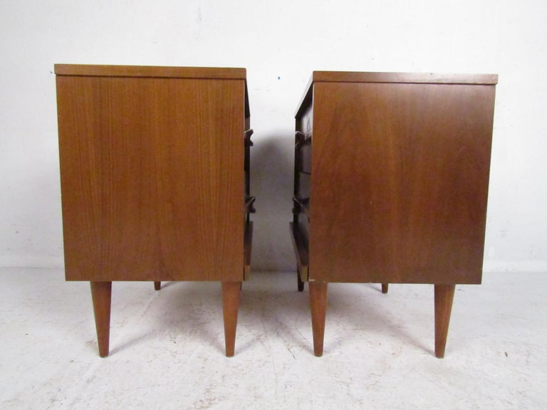 20th Century Mid-Century Modern Nightstands, a Pair For Sale