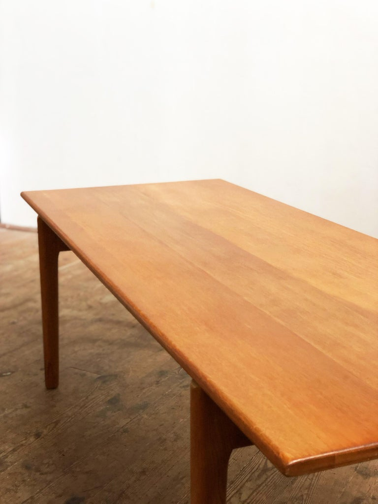Mid-Century Modern Oak Coffee Table by Hans Wegner, Modell AT-15, Andreas Tuck For Sale at 1stdibs