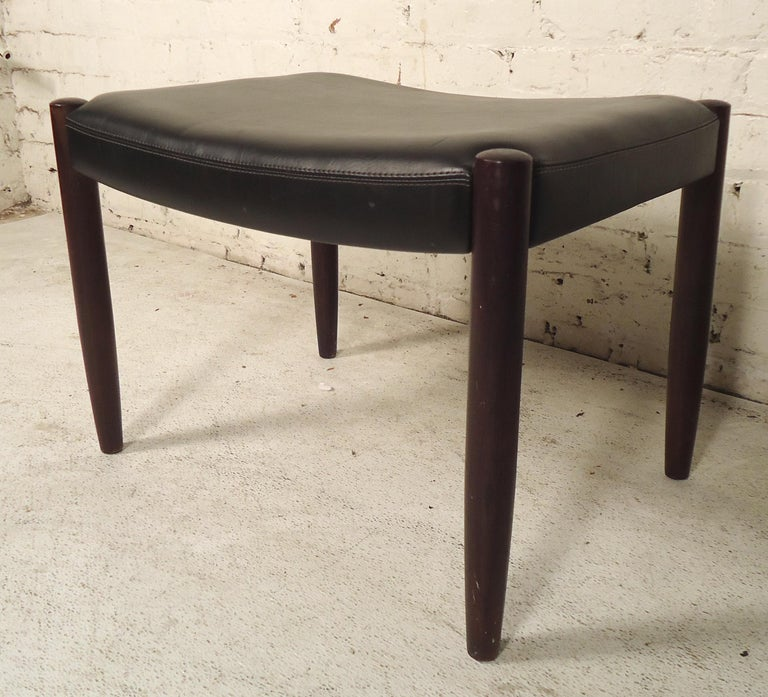 Small vintage modern style stool with tapered legs. Great for living room or office.  (Please confirm item location - NY or NJ - with dealer).