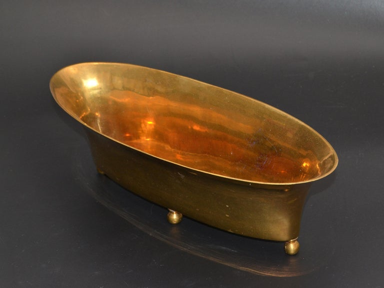 20th Century Mid-Century Modern Oval Footed Bowl in Brass, Centerpiece For Sale