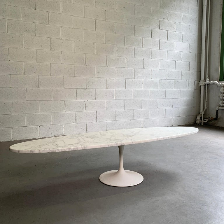 Painted Mid-Century Modern Oval Marble Tulip Base Coffee Table For Sale
