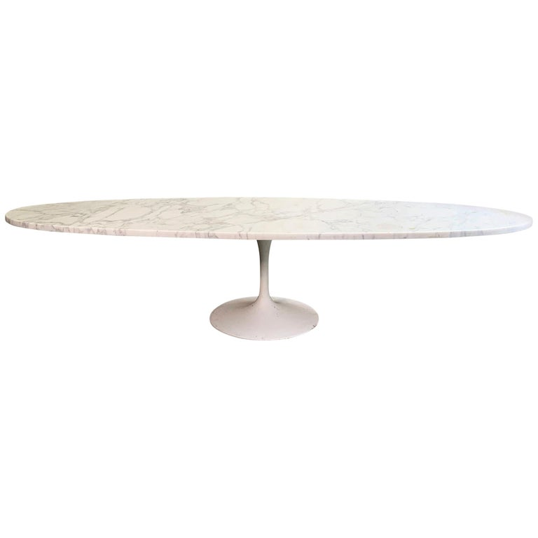 Mid-Century Modern Oval Marble Tulip Base Coffee Table For Sale