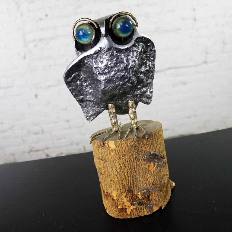 20th Century Mid-Century Modern Owl Sculpture by Curtis Jere in Cast Aluminum on Wood Stump For Sale