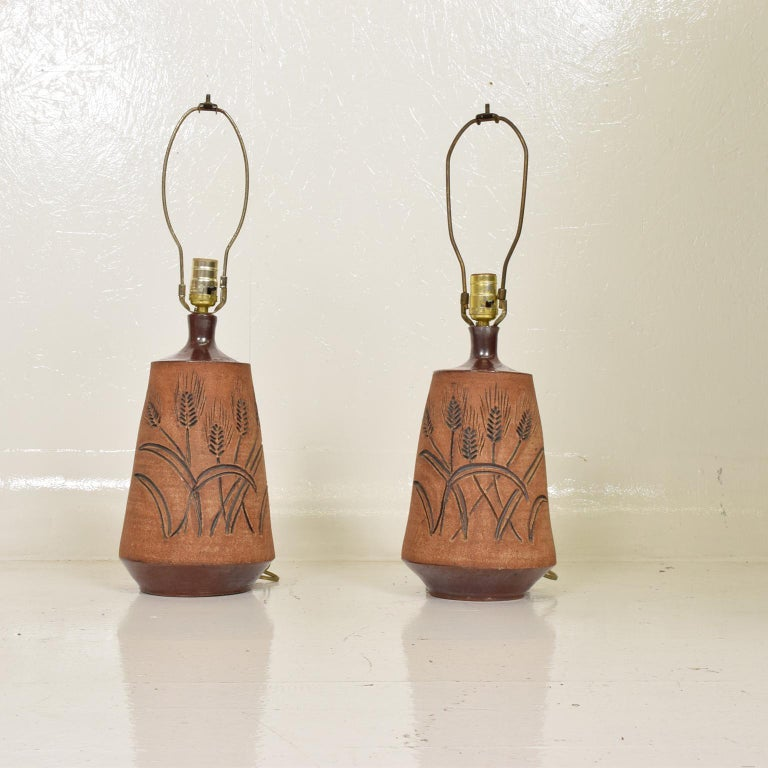 American Mid-Century Modern Pair of Ceramic Table Lamps by Wishon Harrell For Sale