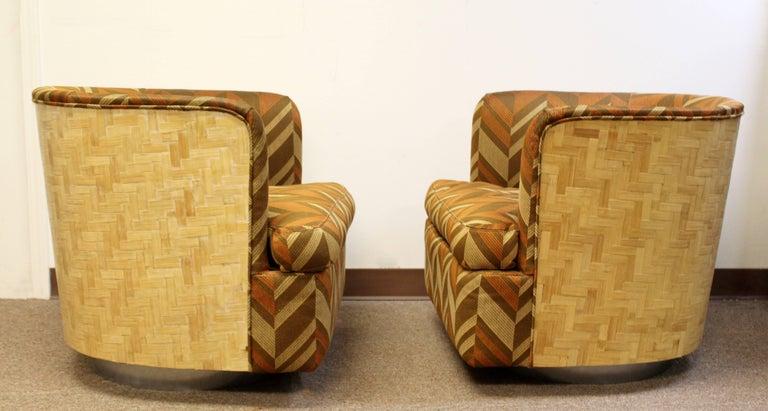 American Mid-Century Modern Pair of Baughman Thayer Coggin Wood Club Barrel Swivel Chairs For Sale
