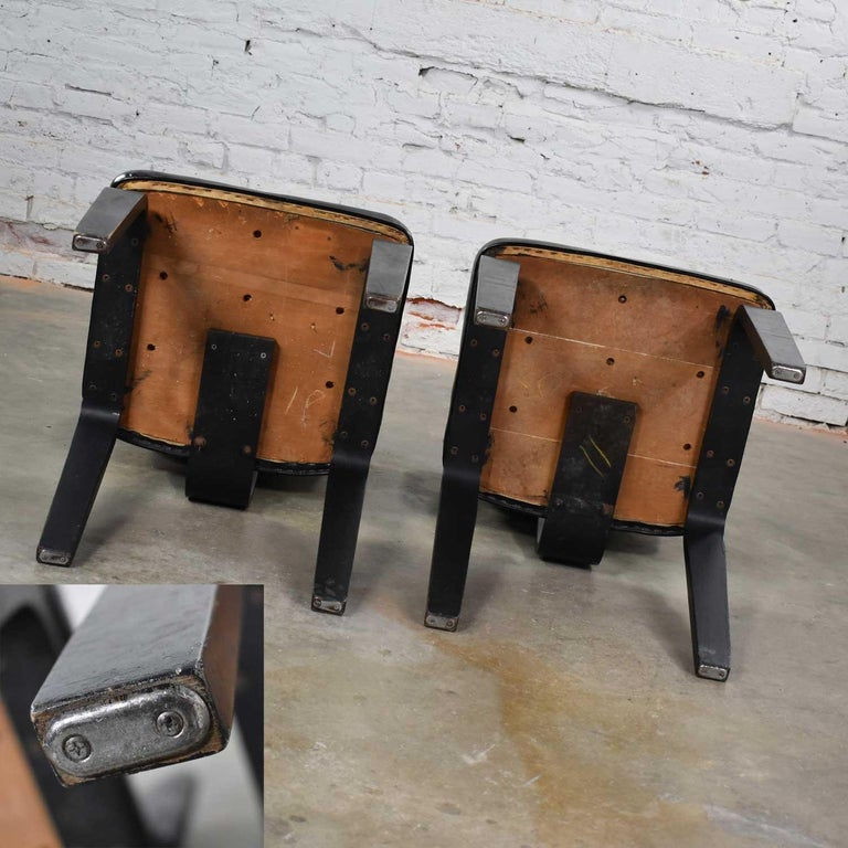 Mid-Century Modern Pair of Black Thonet Bentwood and Vinyl Chairs For Sale 9