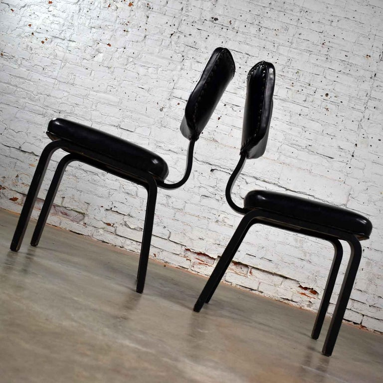 Mid-Century Modern Pair of Black Thonet Bentwood and Vinyl Chairs For Sale 2