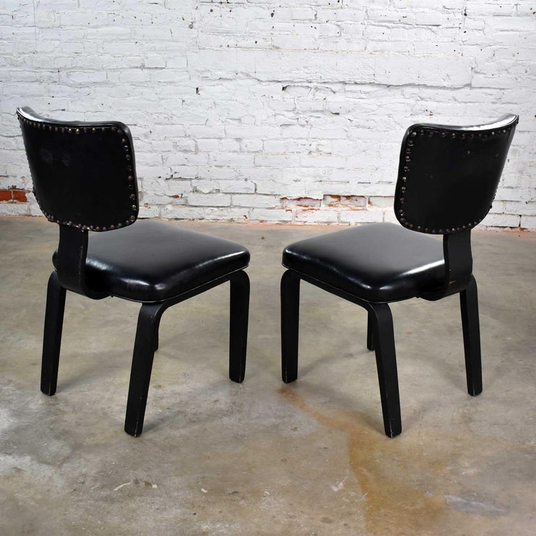 Mid-Century Modern Pair of Black Thonet Bentwood and Vinyl Chairs For Sale 3