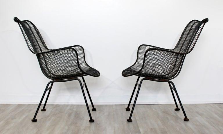Metal Mid-Century Modern Pair of Black Woodard Sculptura Outdoor Patio Armchairs 1950s For Sale