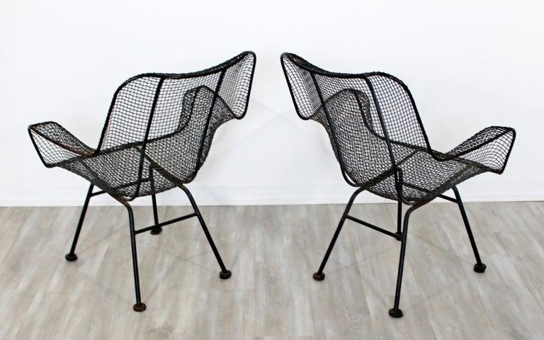Mid-Century Modern Pair of Black Woodard Sculptura Outdoor Patio Armchairs 1950s For Sale 2