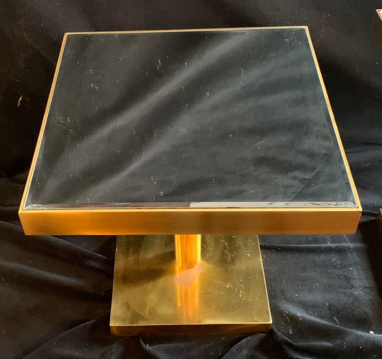 Mid-Century Modern Pair of Bronze Beveled Mirror Telescoping Square Side Table In Good Condition For Sale In Roslyn, NY