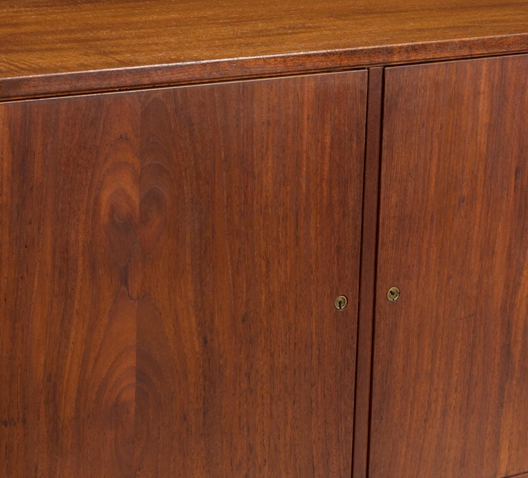Mid-Century Modern Pair of Cabinets, Nightstand or Commodes Gjovik Mobelfabriken For Sale 4