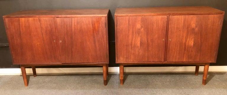 Danish Mid-Century Modern Pair of Cabinets, Nightstand or Commodes Gjovik Mobelfabriken For Sale