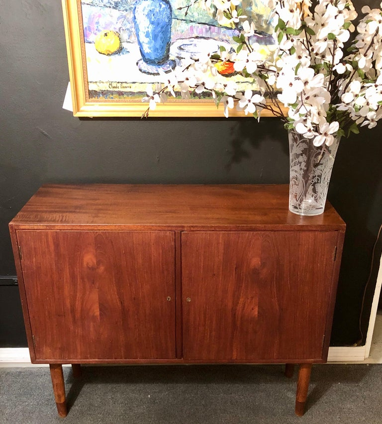 Mid-Century Modern Pair of Cabinets, Nightstand or Commodes Gjovik Mobelfabriken For Sale 1