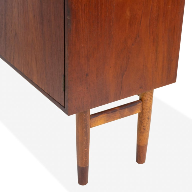 Mid-Century Modern Pair of Cabinets, Nightstand or Commodes Gjovik Mobelfabriken For Sale 2