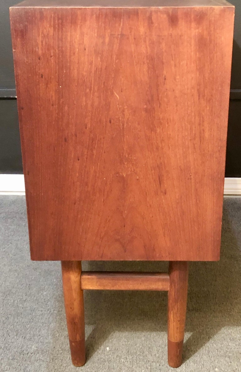 Mid-Century Modern Pair of Cabinets, Nightstand or Commodes Gjovik Mobelfabriken For Sale 3