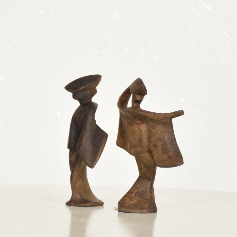 Mid-Century Modern Pair of Cast Iron Japanese Dancers Paper Weights For Sale 1