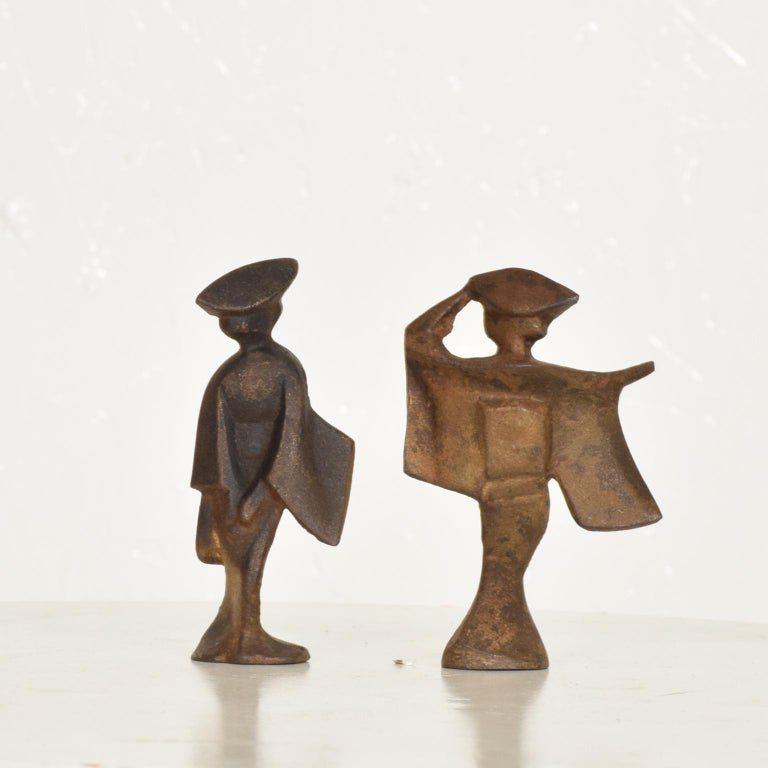 Mid-Century Modern Pair of Cast Iron Japanese Dancers Paper Weights For Sale 2