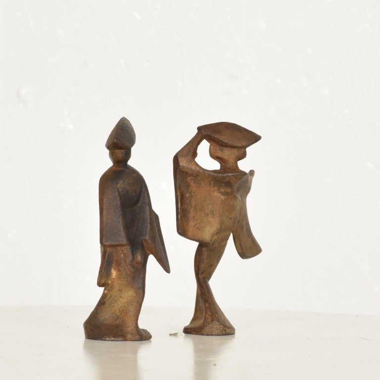 Mid-Century Modern Pair of Cast Iron Japanese Dancers Paper Weights For Sale 3