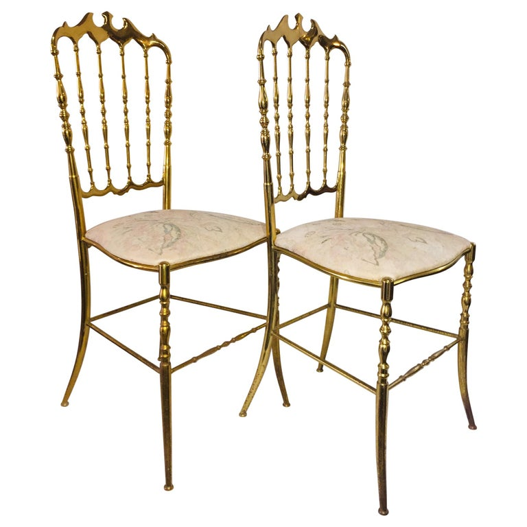 Mid-Century Modern Pair of Italian Chiavari Opéra Chairs in Solid Polished Brass For Sale