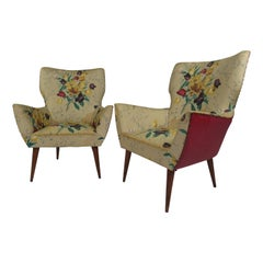 Mid-Century Modern Pair of Italian Lounge Chairs